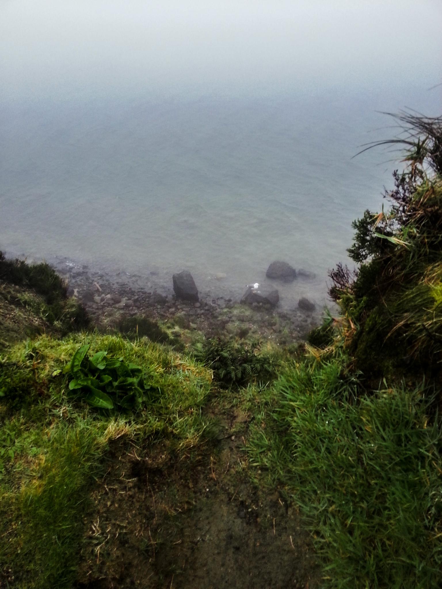 Lagoa de Fogo ködben és szakadó esőben